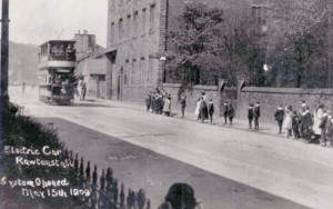 Pic9-Rawtenstall-Electric-Tram-St-James-Burnley-Road-Rawtenstall-1909